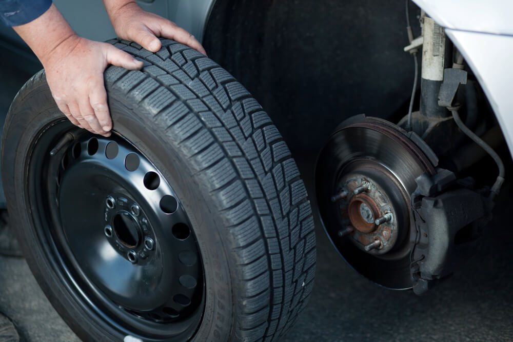 Tyre Fitting in Kenilworth at Clinton Garage
